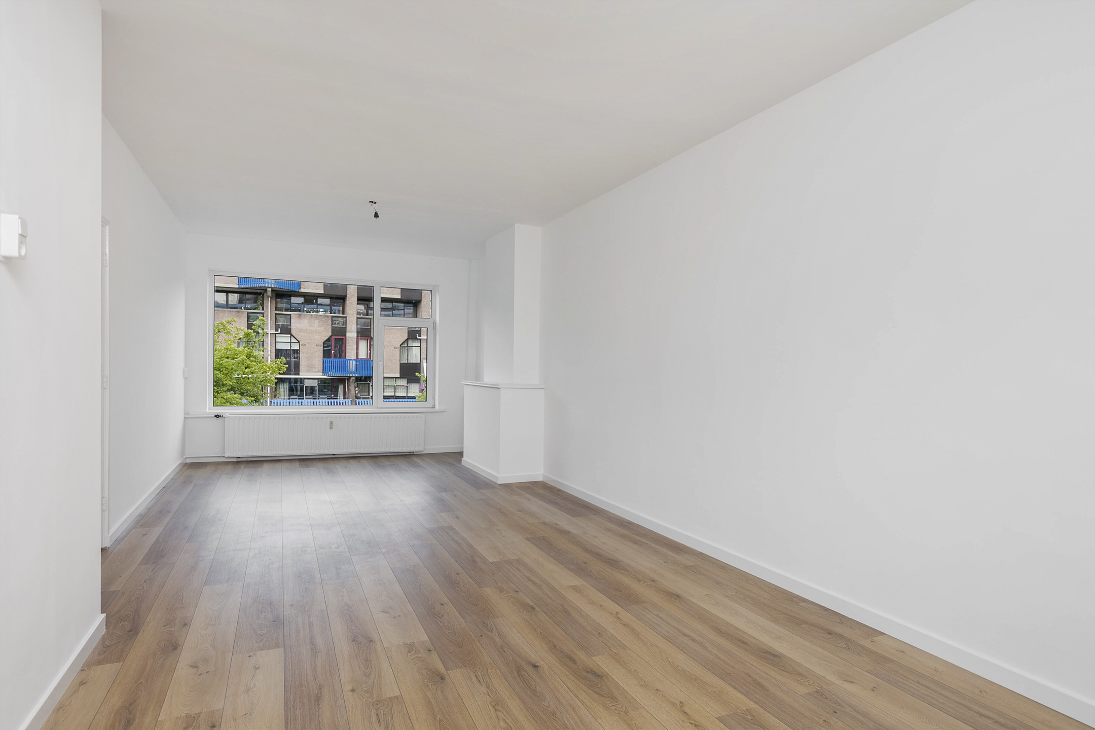 Laminate Flooring And Plastering Walls Ceiling